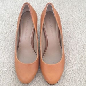 Banana Republic Cognac Leather Heels